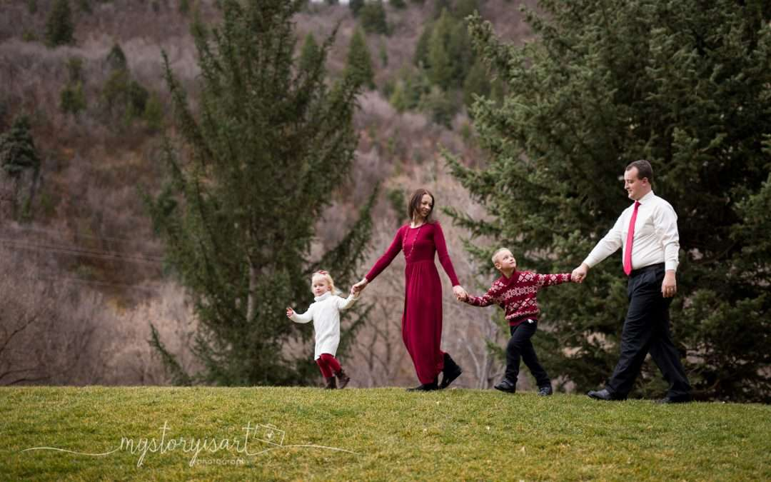 Braving the Cold | Utah Family Photographer
