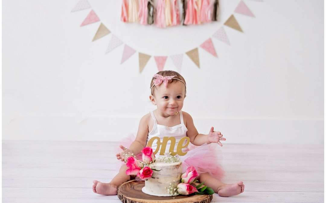 Smash Cake with Siblings   Utah County Baby First Year Photographer